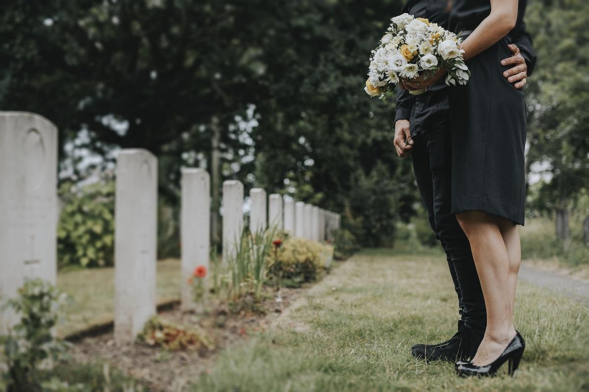 Przyjmowanie i składanie kondolencji - co warto wiedzieć?